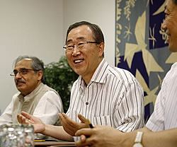 清涼聯合國 力行節能減碳2008-8-7.10.00